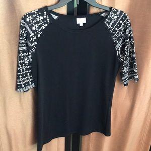 Medium sleeved lularoe shirt